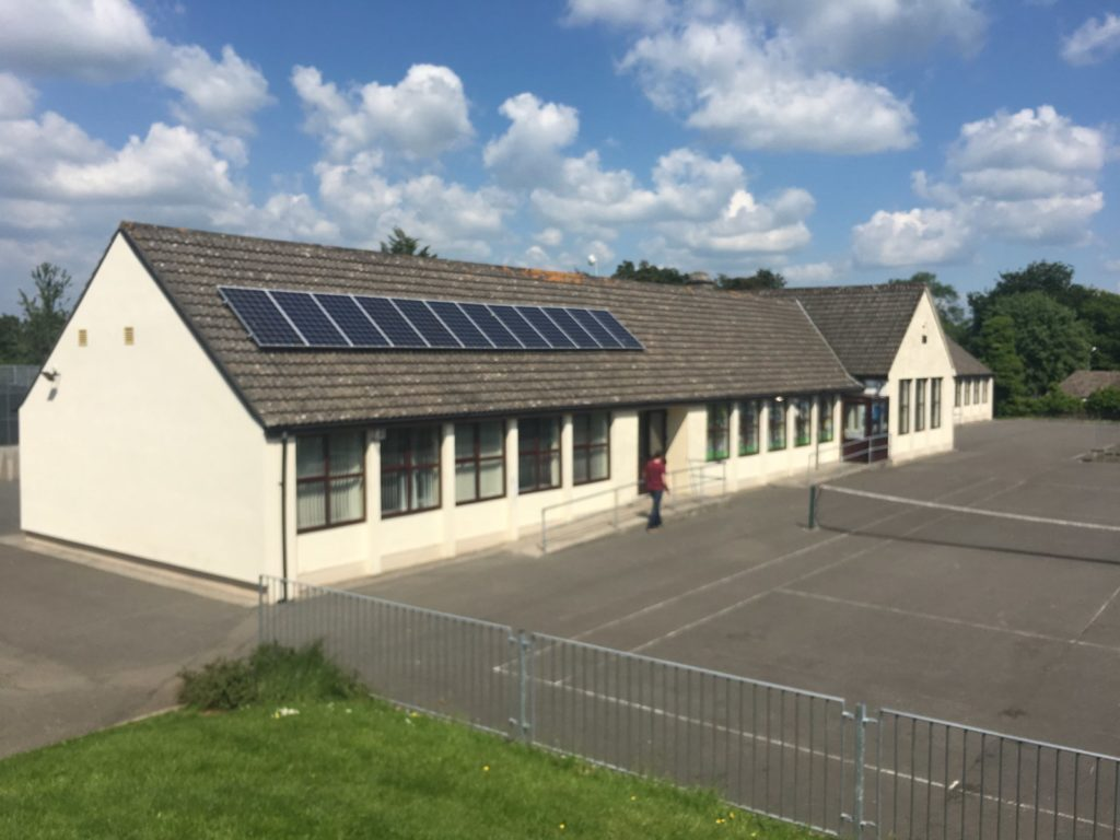 School's Out For Fossil Fuels In Youghalarra - Sustainable Tipp